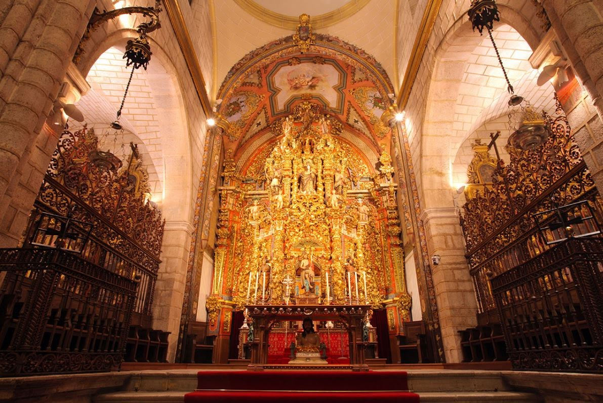 ALTAR MAYOR DE LA CATEDRAL DE BADAJOZ